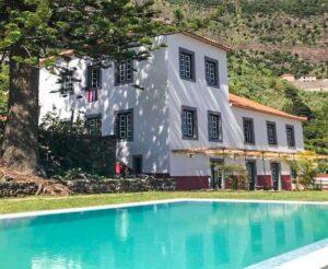Casa Oliveira Esmeraldo